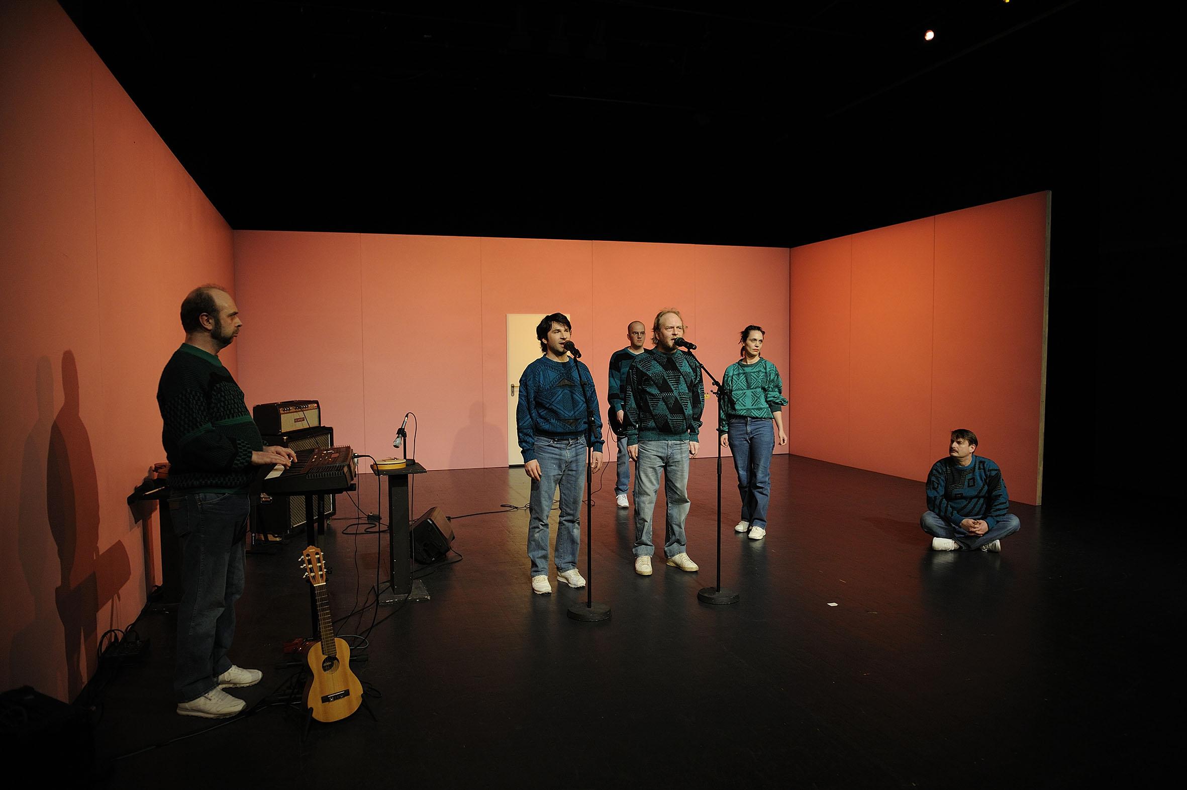 Harald Wissler , Martin Clausen, Mario Schulte , Christian Schulte aka Doc Schoko , Rahel Savoldelli & Peter Trabner (v.l.n.r.) Foto: Dieter Hartwig